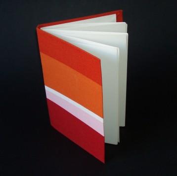 Llibre encuadernat a mà